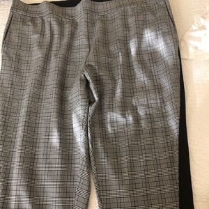 RACHEL ROY TROUSERS BLACK N WHITE LIKE NEW